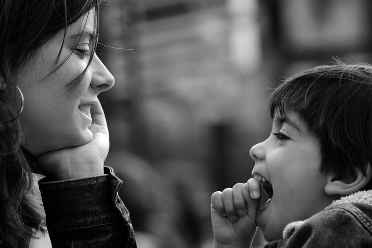 Ideias de como brincar: é importante que a criança lidere a brincadeira